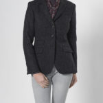 Caro - femininer Tweed Blazer in charcoal