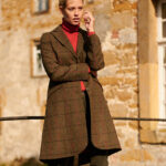 Brenda - eleganter Blazermantel in HARRIS TWEED
