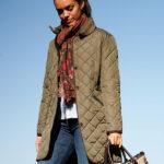 Gabby - Steppmantel mit Harris Tweed Applikationen und Polarfleece in oliv